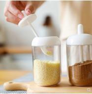 带勺日式调味盒厨房用品装佐料用瓶子调味瓶 家用可爱塑料调味罐