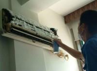 清洗到位郑州伊莱克斯空调售后清洗电话