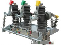 10KV真空断路器 ZW32-12户外高压真空断路器柱上开关