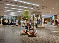 河盛展柜,服装店铺形象设计,服装展示柜定制厂家,